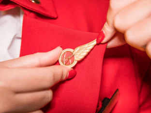 Airline cabin crew to join NHS Nightingale carers